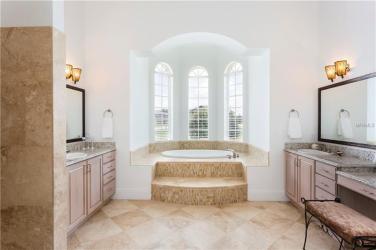 Luxury Bathroom in Reunion Resort